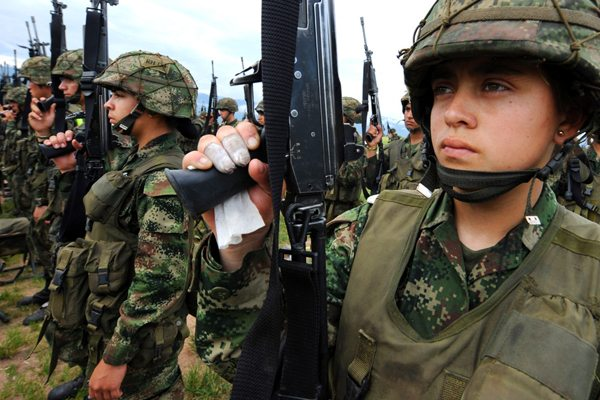 Image Colombia: Will There Be Peace? [Lima Charlie News][Photo: Rafa / AFP]