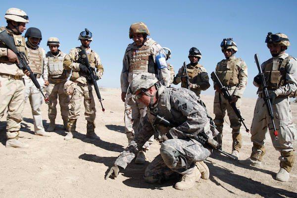 Image Iraq NATO training