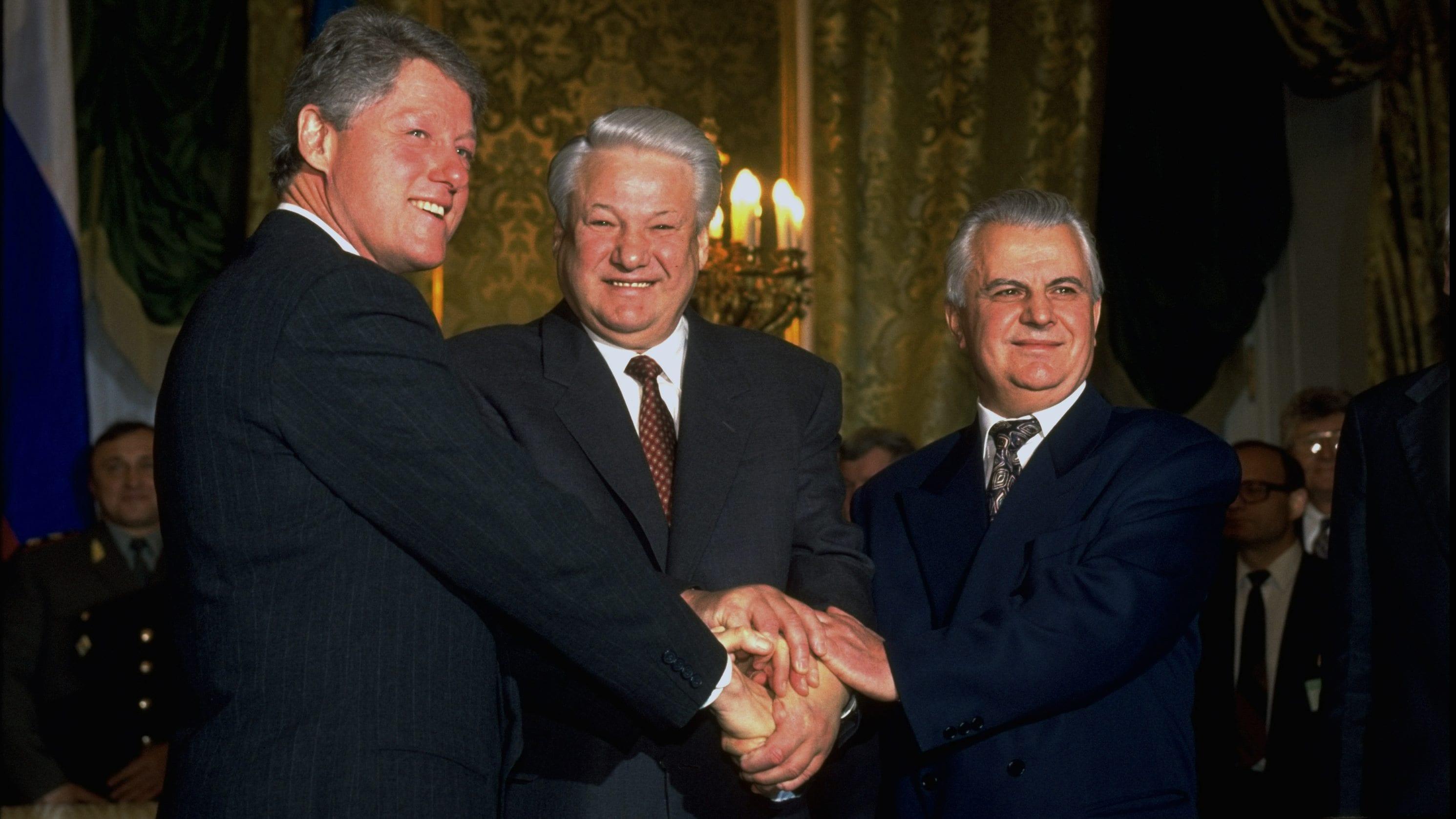 Image Clinton Yeltzin Ukraine nuclear treaty
