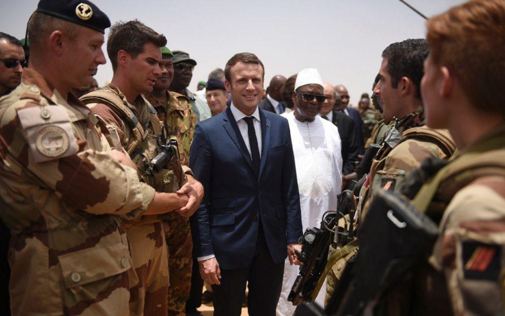 Image Emmanuel Macron in Mali