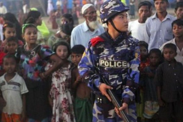 Image Rohingya Muslim militants wage coordinated attack against police, army base, Myanmar