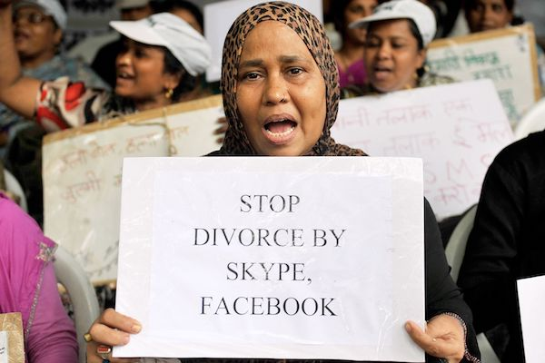 "Image The Indian courts end the ""triple talaq"" divorce law for Muslim women"