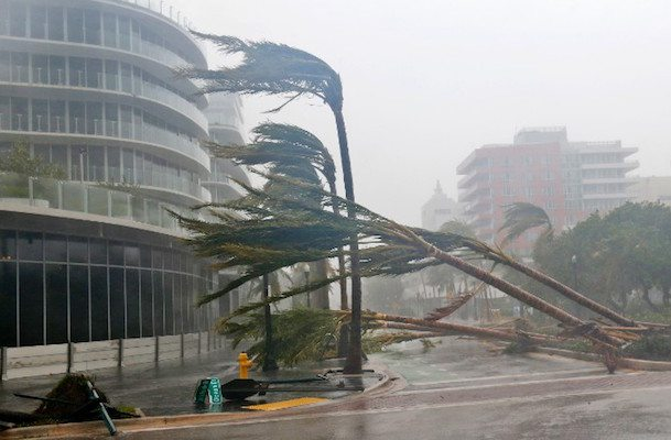 Image Florida economy, 4th largest in the US, 18th largest in the world braces for Irma impact (Alfredo Lee/AP)