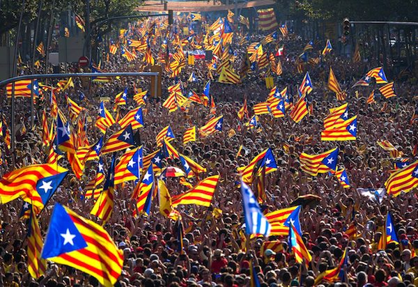 Image Spain positions to contain Catalonia's independence