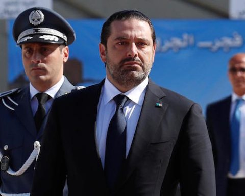 Image Lebanon crisis appears to end as PM Saad Hariri backtracks on resignation
