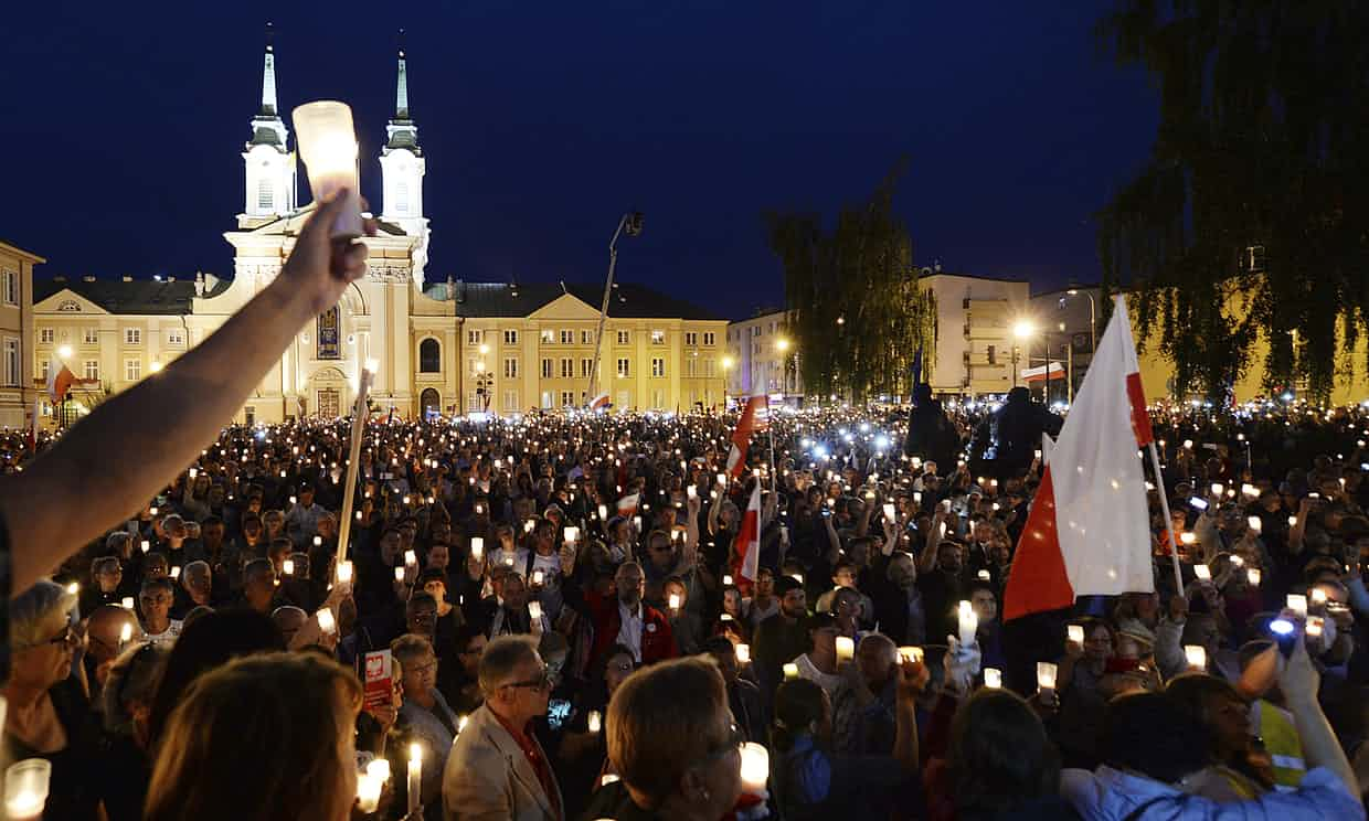 Image Thousands of anti-government demonstrators gathered in front of the supreme court in Warsaw on Sunday in protest against the government's plans. Photograph: Czarek Sokołowski/AP