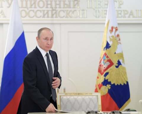 Image Russia's recession ends as Putin prepares for another term [Image by http://en.putin.kremlin.r]
