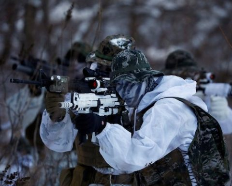 Image US to continue military drills despite upcoming Winter Olympics in South Korea [Image: REUTERS/Kim Hong-Ji]