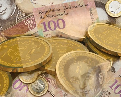 Image Venezuela announces issuance of cryptocurrency 'Petro' amid reality of hyperinflation [Image: Lima Charlie News]