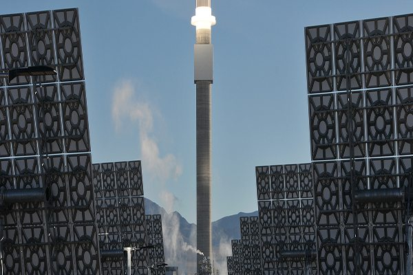 Image SolarReserve Crescent Dunes - Preheating the Receiver (Photo courtesy of advisian.com) Molten Salt Energy Storage Making Strides
