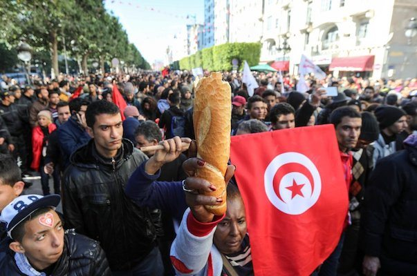 Image Economic stagnation drives Tunisia's ongoing anti-austerity 'Fech Nestannew' protests [Lima Charlie News]