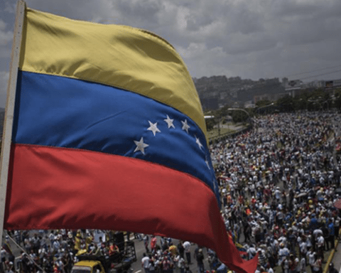 Image Venezuela's refugees add pressure to Colombia's presidential race [Lima Charlie News]