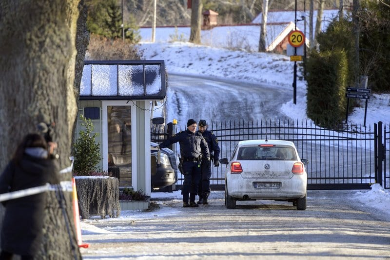 Image Security outside of meeting facility near Stockholm, Sweden, Sunday, Jan. 20, 2019 [ANDERS WIKLUND /TT / via AP]