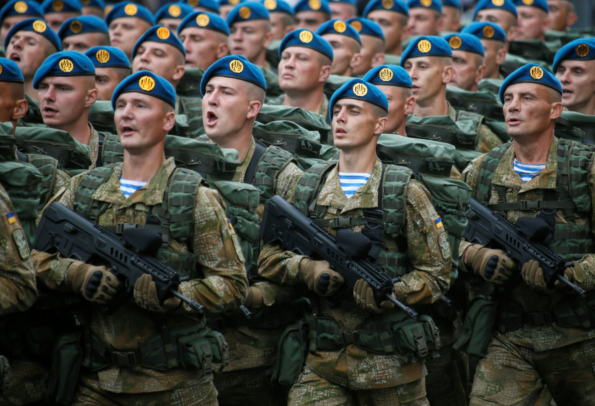 Image [Servicemen march during Ukraine's Independence Day military parade in central Kiev (Photo: Valentyn Ogirenko / Reuters]