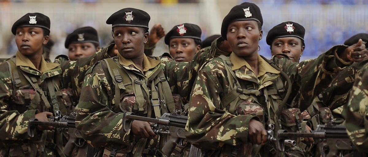 Image [Women soldiers of the Kenya Defense Force, Nairobi, October 20, 2011. (Photo: Tony Karumba)]