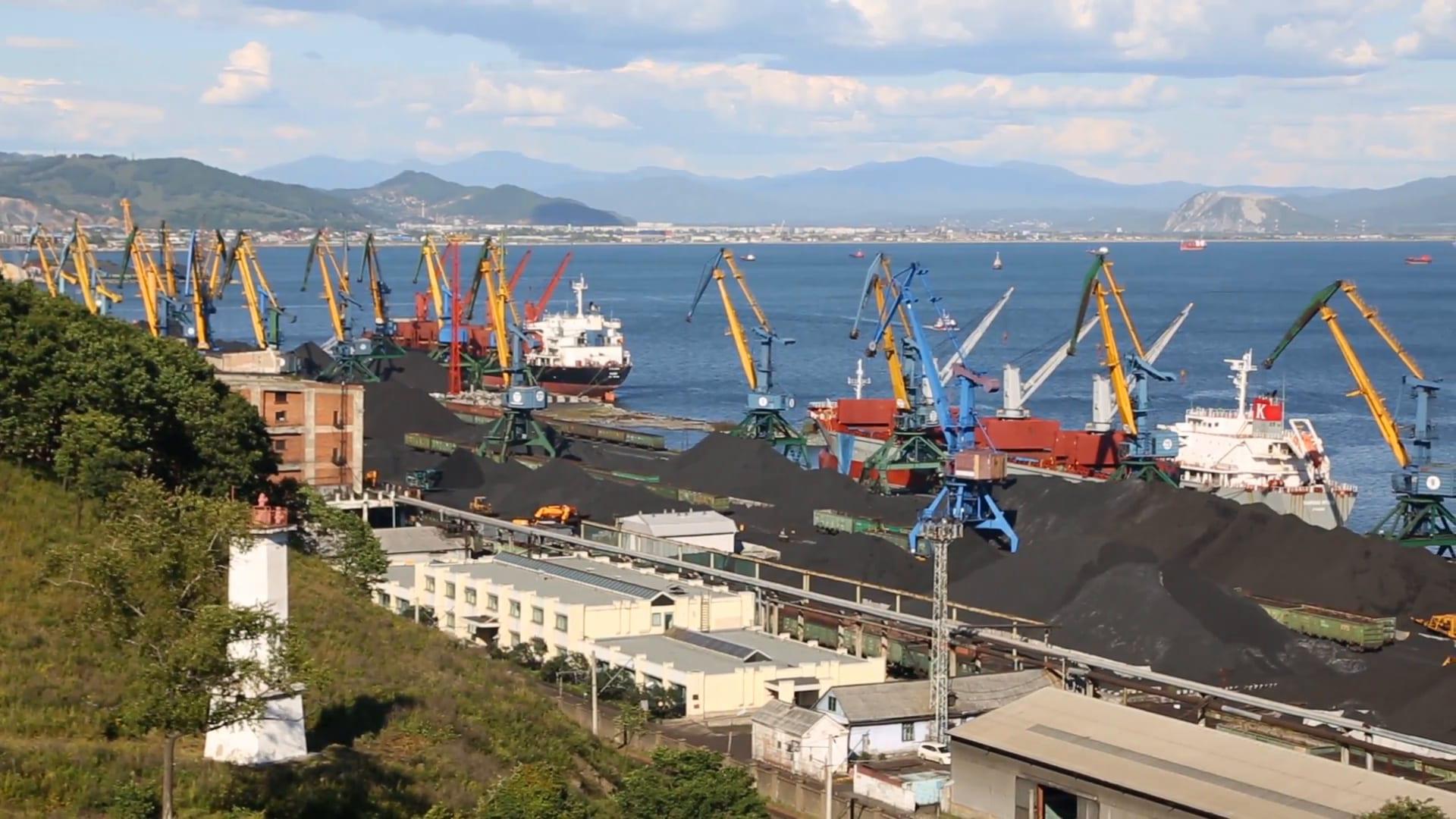 Image [Port of Nakhodka, Primorsky Krai, Russia, near Vladivostok, a hub to China for coal and petroleum products]